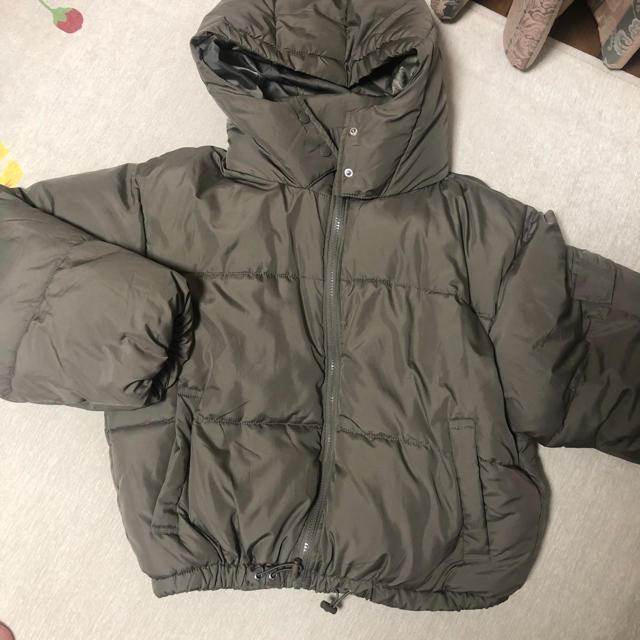 fifth(フィフス)のfifth ショート丈ダウンジャケット カーキ色 レディースのジャケット/アウター(ダウンジャケット)の商品写真