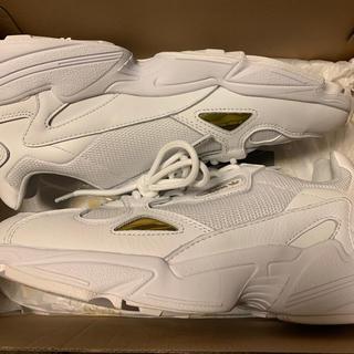 アディダス(adidas)のアディダス ファルコンウィメンズ オールホワイト(スニーカー)