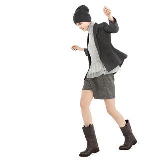 ブルネロクチネリ(BRUNELLO CUCINELLI)のブルネロクチネリ 38  薄手羊毛 スパンコールドット ショートパンツ 半ズボン(カジュアルパンツ)