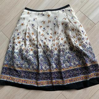 エマジェイム(EMMAJAMES)のフラワープリント膝上丈スカート(ひざ丈スカート)