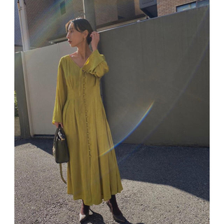 Ameri VINTAGE - ameri vintage TUCK SHAPE DRESS イエロー  S