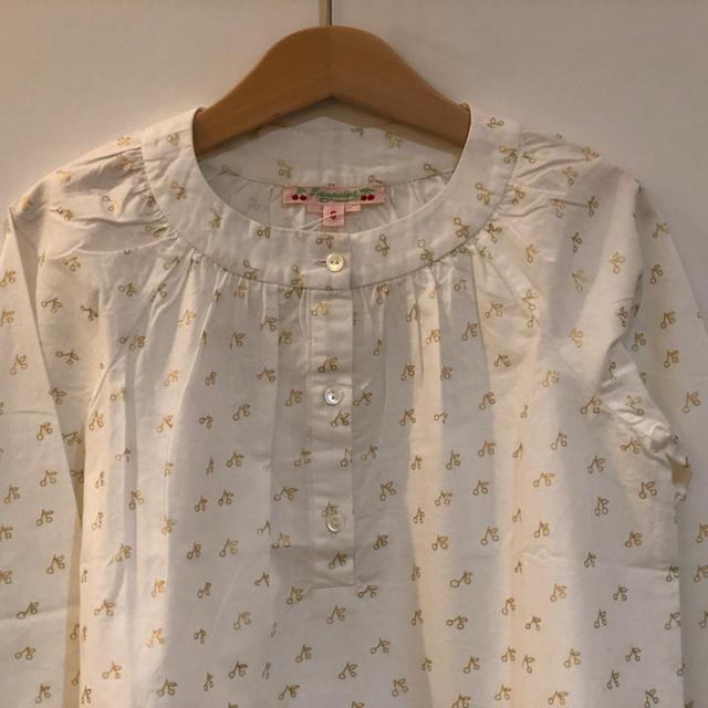 Bonpoint(ボンポワン)の値下げ ボンポワン ゴールドチェリー柄パジャマ 6a キッズ/ベビー/マタニティのキッズ服女の子用(90cm~)(ブラウス)の商品写真