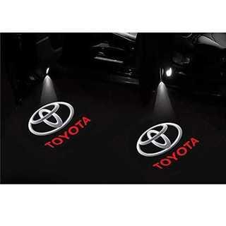 TOYOTA LOGOトヨタクラウンカーライト 高輝度のLEDチップ トヨタ T(汎用パーツ)