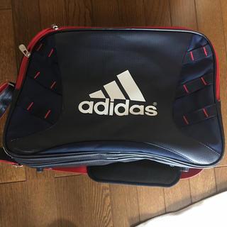 アディダス(adidas)のエナメルバッグ(ボストンバッグ)