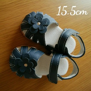 【新品】キッズ 女の子 サンダル お花 マジックテープ ネイビー 15.5cm(サンダル)