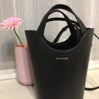 バレンシアガバッグ(BALENCIAGA BAG)の新作。バレンシアガ☆ウェーブバッグS(トートバッグ)