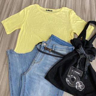 ザラ(ZARA)のZARA トップス Tシャツ イエロー(Tシャツ(半袖/袖なし))