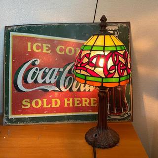 コカコーラ(コカ・コーラ)の◆日本未発売!【coca cola】コカコーラ ステンドグラス風 ランプ (テーブルスタンド)