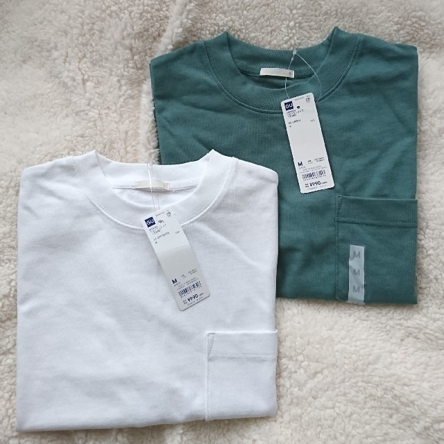 GU(ジーユー)の新品未使用 gu ヘビーウェイトTシャツ Mサイズ2点セット レディースのトップス(Tシャツ(半袖/袖なし))の商品写真