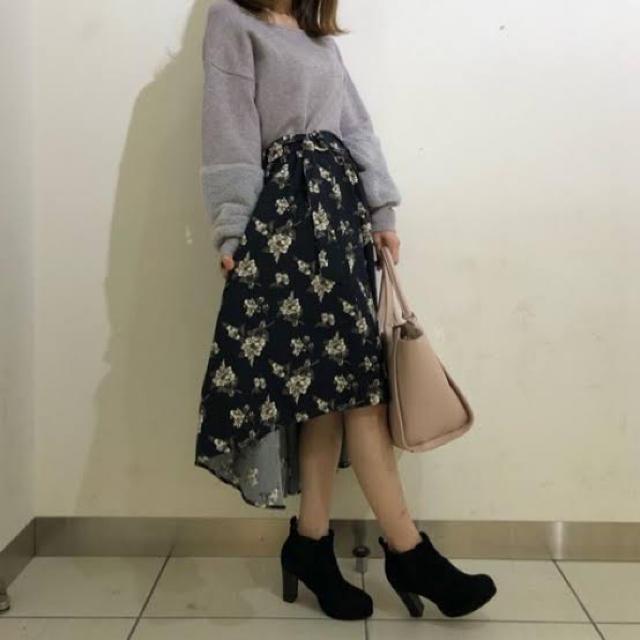 CECIL McBEE(セシルマクビー)の【美品】花柄アシンメトリースカート レディースのスカート(ロングスカート)の商品写真
