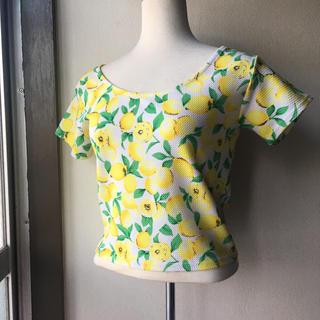 ワンウェイ(one*way)のone way  トップス Tシャツ レモン柄  (Tシャツ(半袖/袖なし))
