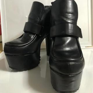 ヨースケ(YOSUKE)のyosuke 厚底ヒール 黒(ローファー/革靴)