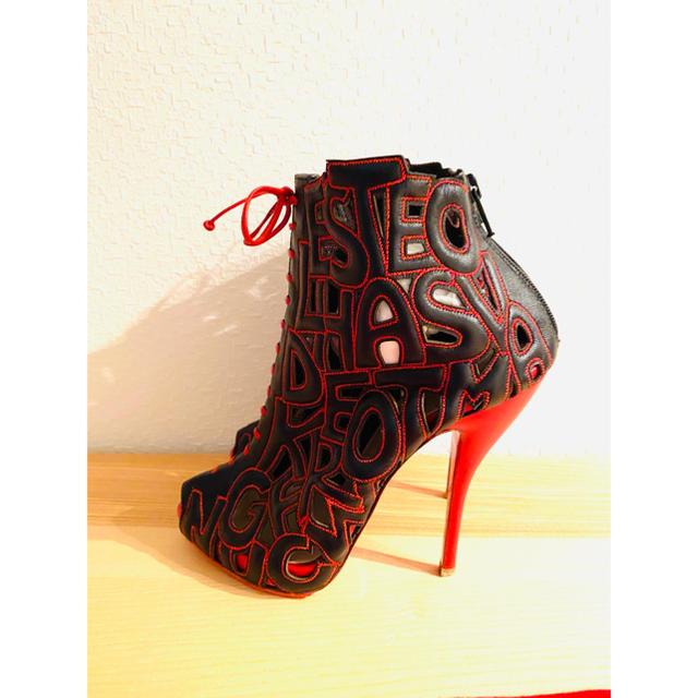 Christian Louboutin(クリスチャンルブタン)の超美品❗️カコイイルブタンブーツ レディースの靴/シューズ(ブーツ)の商品写真