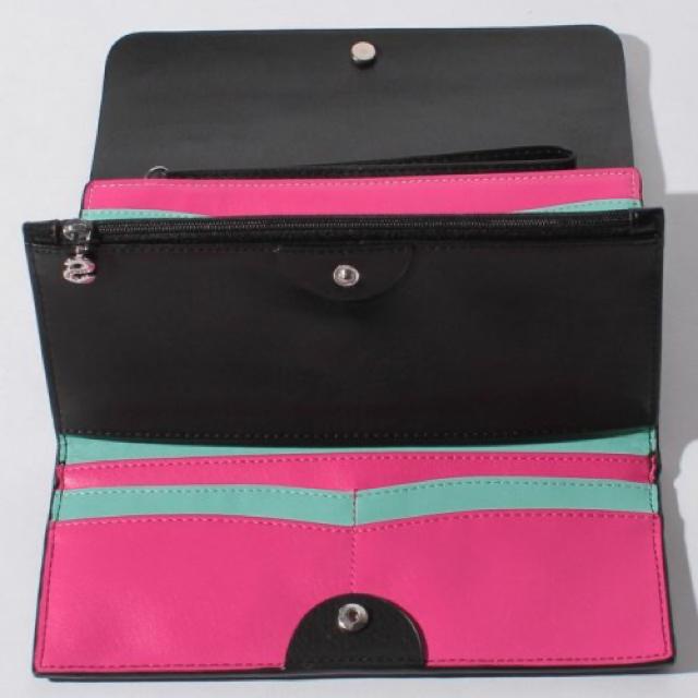 DESIGUAL(デシグアル)の新品✨タグ付き♪  Desigual リバーシブルウォレット 財布 お値下げ‼️ レディースのファッション小物(財布)の商品写真