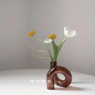 ツイスト花瓶♡ガラス製♡韓国インテリア♡シンプル♡北欧♡モノトーン♡一輪挿し♡
