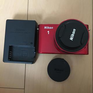 ニコン(Nikon)の美品 NIKON J1(ミラーレス一眼)