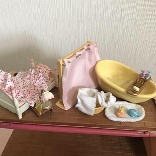 エポック(EPOCH)のシルバニア お風呂セット&ベッド&机&ピアノ(キャラクターグッズ)