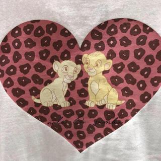 エブリン(evelyn)の【販売終了】 ライオンキング シンバ ナラ Tシャツ ホワイト(Tシャツ(長袖/七分))