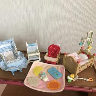 エポック(EPOCH)のシルバニア 赤ちゃん用品&クローゼット&滑り台(キャラクターグッズ)