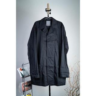 ヨウジヤマモト(Yohji Yamamoto)のヨウジヤマモトプールオム 袴期 コットンツイルショップコート ブラック(ステンカラーコート)