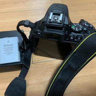 ニコン(Nikon)のNikon ニコン D5600 ダブルズームキット カバン・保護備品付(デジタル一眼)