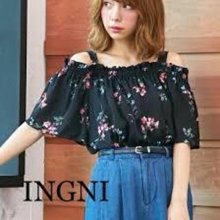 INGNI - イング⭐︎花柄オフショルトップス