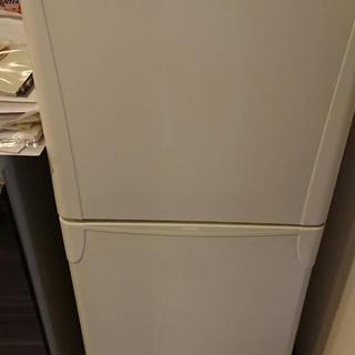 トウシバ(東芝)の冷蔵庫 東芝製YR-12T 2006年モデル/ホワイト(冷蔵庫)