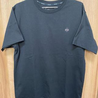 エフシーアールビー(F.C.R.B.)のFCRB MINI EMBLEM TEE 黒 M(Tシャツ/カットソー(半袖/袖なし))