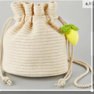ジーユー(GU)のケイタマルヤマ GU ジーユー ニットドローストリングバッグ レモン 巾着(ショルダーバッグ)