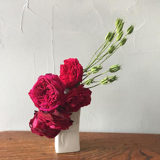 花器 花瓶 一輪挿し 白 マット 和モダン 端正 レリーフ(花瓶)