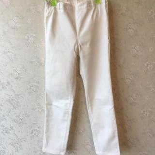 ジーユー(GU)の美品    X L    白スキニーパンツ   GU(スキニーパンツ)