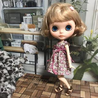 小さな袖のワンピース 25(人形)