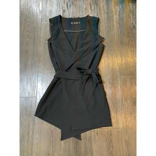 ザラ(ZARA)のZARA ザラ ジレ ブラック 重ね襟 黒 ワンピース 羽織り ベスト シック(ベスト/ジレ)