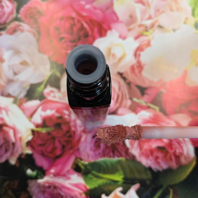 BOBBI BROWN(ボビイブラウン)のBOBBI BROWNクラッシュド リキッド リップ05 ヒッピーシェイク コスメ/美容のベースメイク/化粧品(口紅)の商品写真