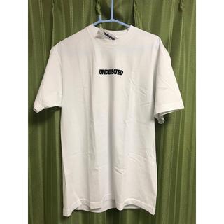 アンディフィーテッド(UNDEFEATED)の新品UNDEFEATED アンディフィーテッド ロゴTシャツ ホワイト Mサイズ(Tシャツ/カットソー(半袖/袖なし))
