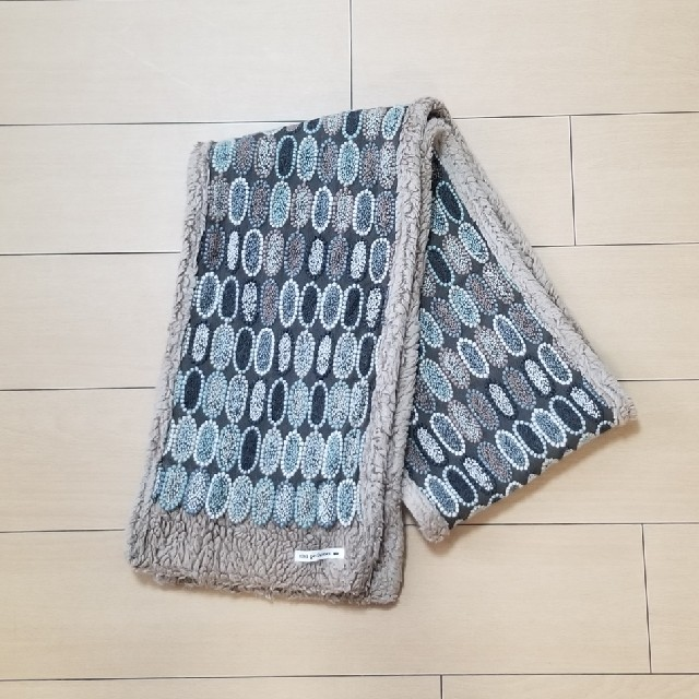 mina perhonen(ミナペルホネン)のミナペルホネン ボアマフラー tarte グレー レディースのファッション小物(マフラー/ショール)の商品写真