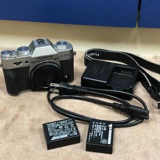 フジフイルム(富士フイルム)のX-T10 ボディ 中古 おまけバッテリー付き フジフイルム FUJI FILM(ミラーレス一眼)