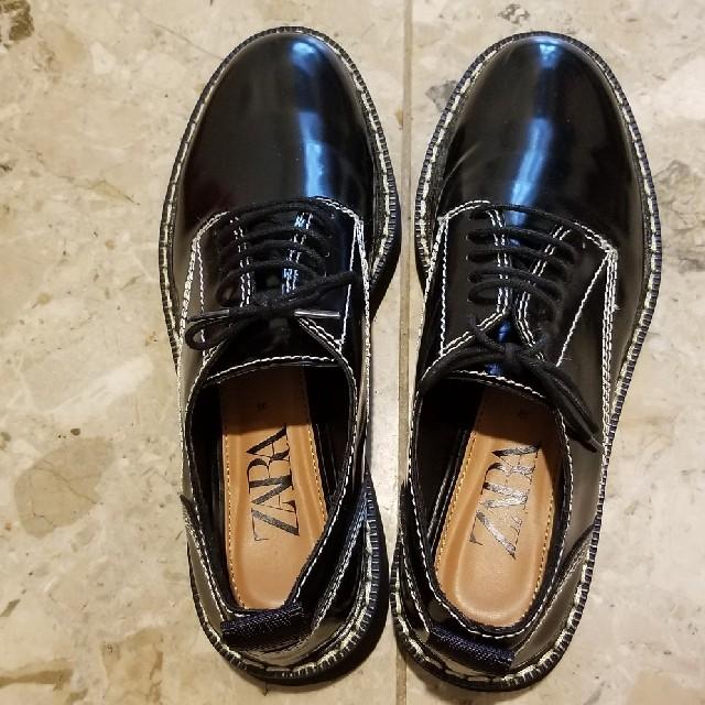 ZARA(ザラ)のZARA靴 24.5 厚底シューズ エナメル レディースの靴/シューズ(ローファー/革靴)の商品写真