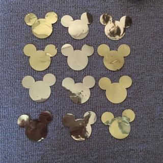 ディズニー(Disney)のミッキークラフトパンチ12枚 ゴールド ワンスアポンアマウス 送料無料(各種パーツ)