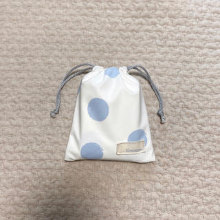 コンビミニ(Combi mini)のコンビミニ おむつ替えマット 水玉 ドット 巾着 ベビー (外出用品)