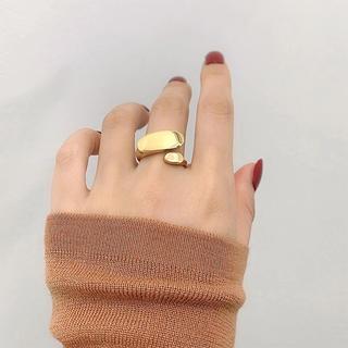 アガット(agete)のデザインゴールドリング♡サイズ調整可能(リング(指輪))