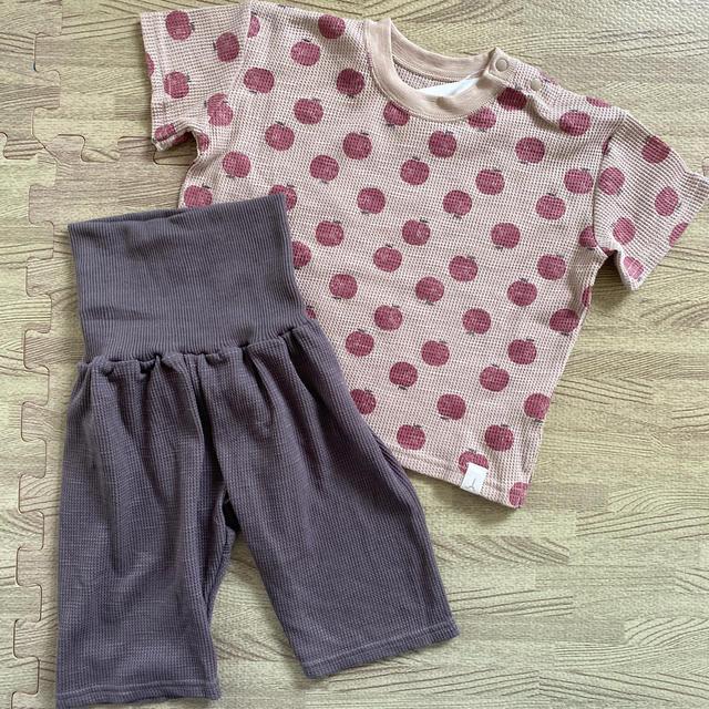 futafuta(フタフタ)のテータテート パジャマ 80 リンゴ柄 キッズ/ベビー/マタニティのベビー服(~85cm)(パジャマ)の商品写真