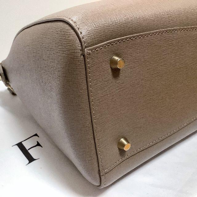 Furla(フルラ)のフルラ◆リンダM 2WAYサッチェルバッググレーベージュ系 レディースのバッグ(ハンドバッグ)の商品写真