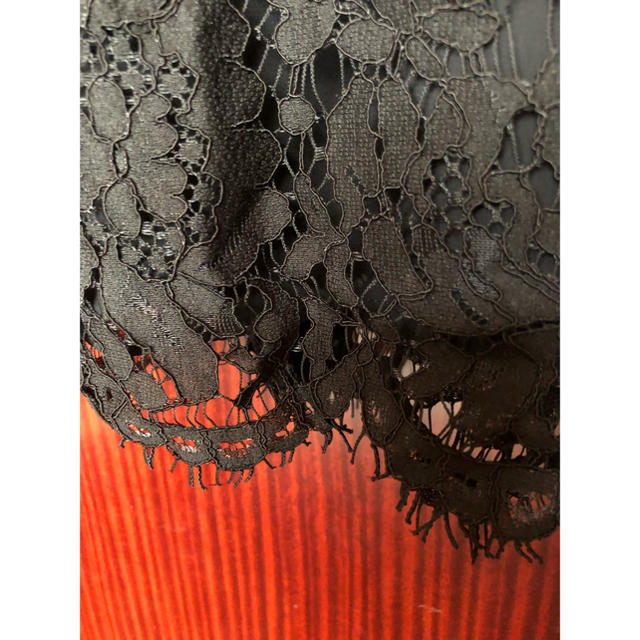 ADORE(アドーア)のア 新品タグ付き ブラックそうレースキャミブラウス レディースのトップス(シャツ/ブラウス(半袖/袖なし))の商品写真