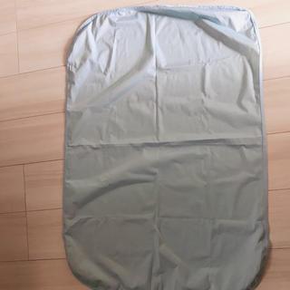 アカチャンホンポ(アカチャンホンポ)の超美品🍎冷感防水シーツ 60×90 4角ゴム付き(シーツ/カバー)