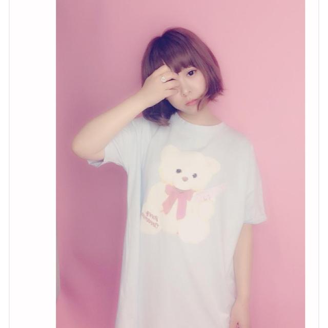Honey Cinnamon(ハニーシナモン)のhoney cinnamon ピストル くまちゃん BIG Tシャツ ホワイト レディースのトップス(Tシャツ(半袖/袖なし))の商品写真