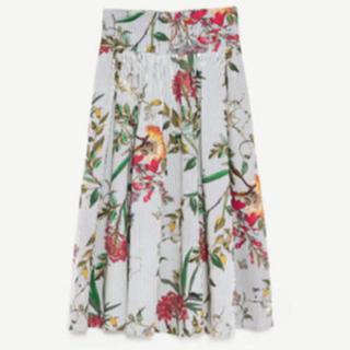 ザラ(ZARA)のZARA フラワープリントスカート(ひざ丈スカート)