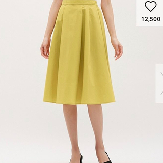 ジーユー(GU)のスカート GU Mサイズ 黄色(ひざ丈スカート)
