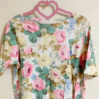 ジーユー(GU)のユニクロ  グラフィックTシャツ  お花柄  X L(Tシャツ(半袖/袖なし))