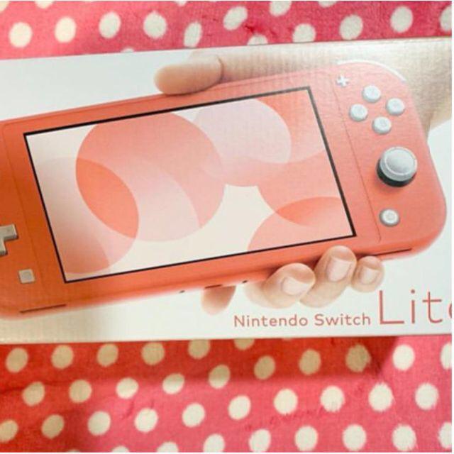 任天堂(ニンテンドウ)のswitch Lite コーラルピンク エンタメ/ホビーのゲームソフト/ゲーム機本体(携帯用ゲーム機本体)の商品写真